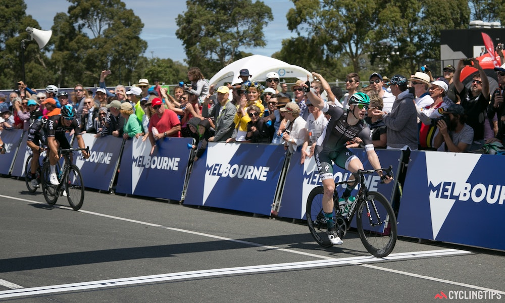 sam bennett sprints to victory at race melbourne the cadels race curtain raiser crit