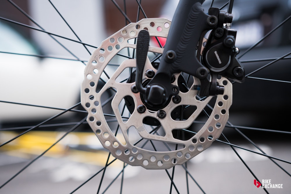 buying a commuter bike complete buyers guide disc brake