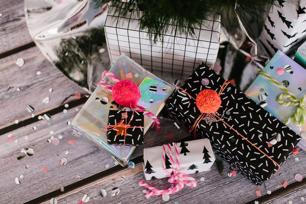 LENZO Christmas Editorial Helllo Kit Co Wrapping Paper