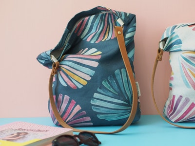 Printed linen tote bag - Ocean shells