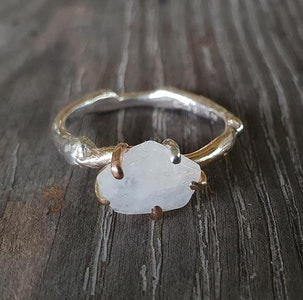 Twig ring-Moonstone