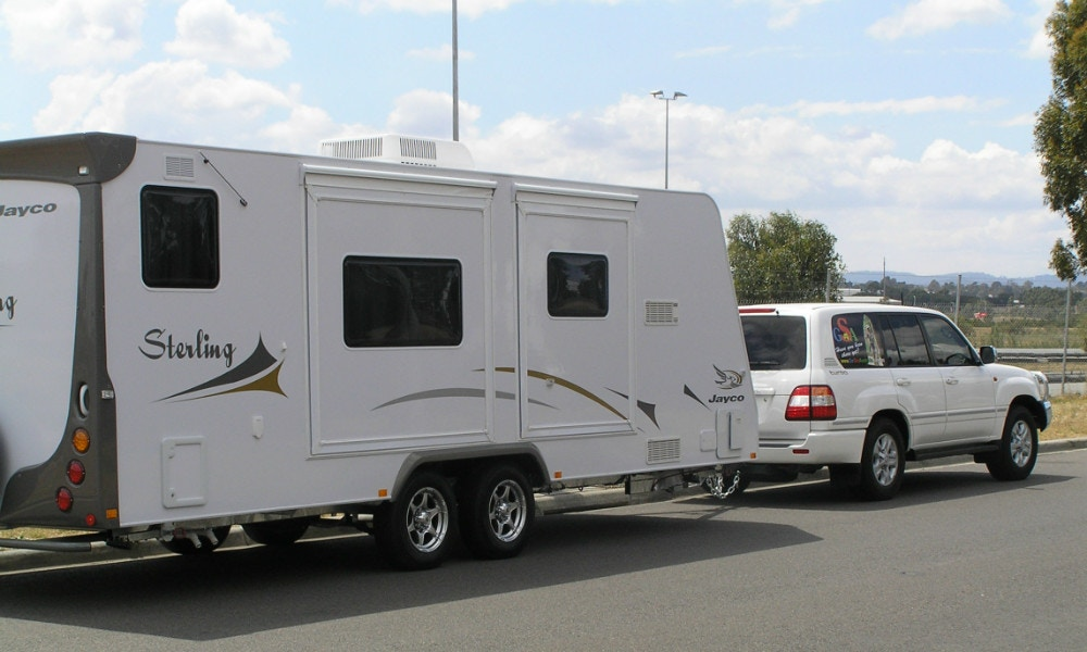 GoSee evaluates new Hayman Reese safe towing systems with Jayco Sterlings