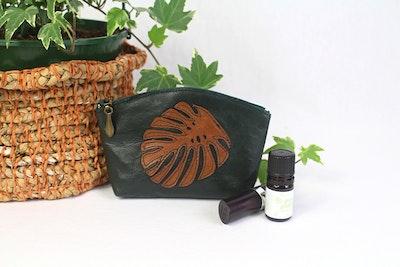 Myra Curved Leather Purse - Green & Tan