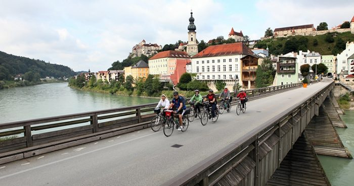 pedal-ventures-crossing-the-salzach-river-from-burghausen-jpg