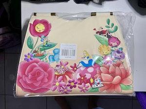 [Exclusive] Loungefly Alice in Wonderland Garden Flowers Crossbody