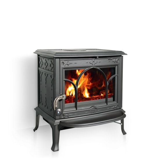 The Jøtul F100 which is a compact wood stove with capacity for logs of up to 40 cm long. Available from houseofhome.com.au
