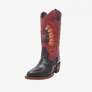 Karrak Boots, Round Toe
