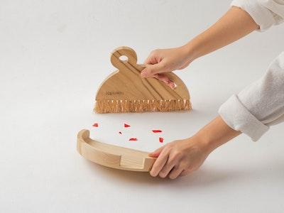 Kayu&Co. Wooden Dustpan & Brush Set - Large