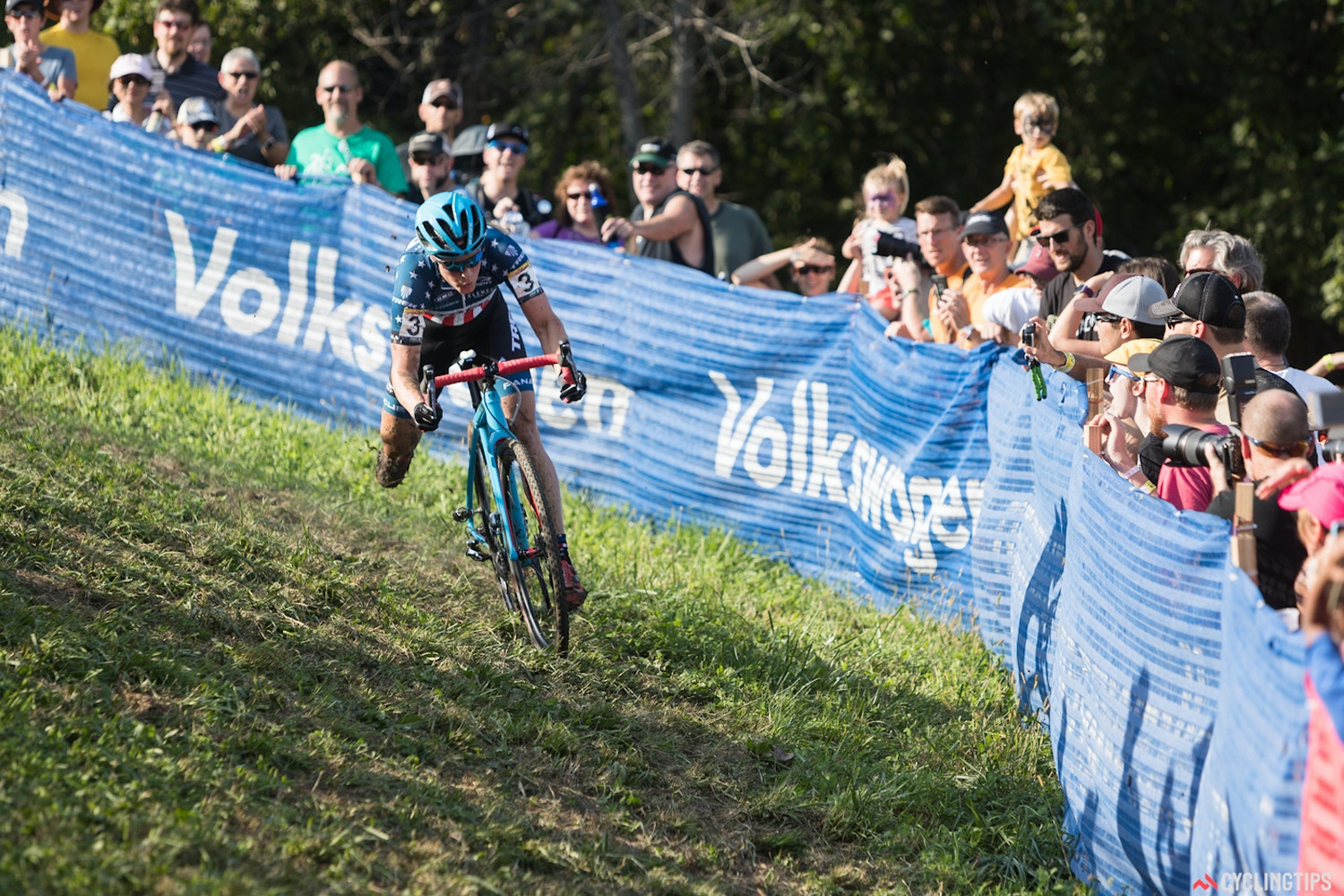 Van Aert, Compton solo to victories at inaugural Iowa City cyclocross World Cup event
