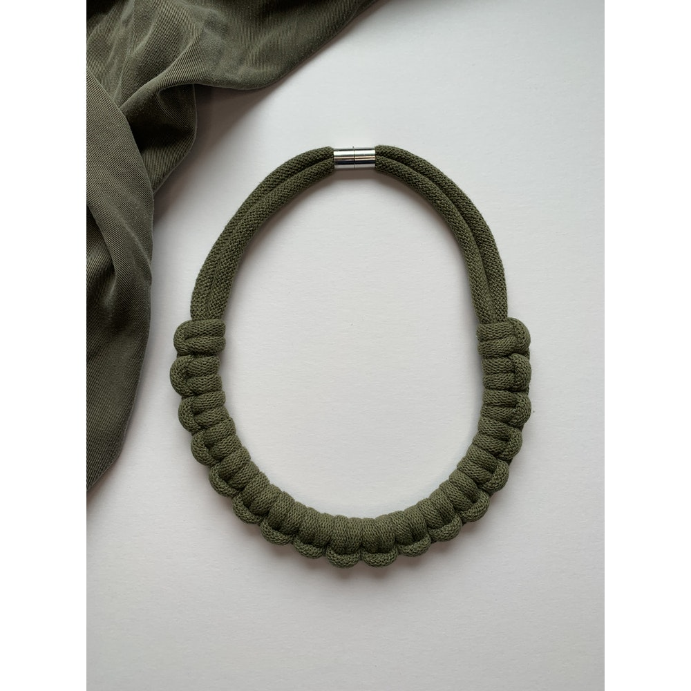 Form Norfolk Hitch Knot Necklace In Forest Green