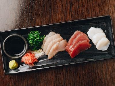 Chef's Sashimi Selection with Tuna, Scallop, Kingfish