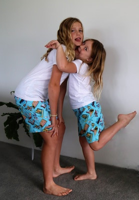 Handgrown Threads Shorts - Size 8 & 10 - Material Pattern Colourful Signs