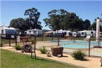 Kui Merimbula Lake Holiday Park pool and campsites.