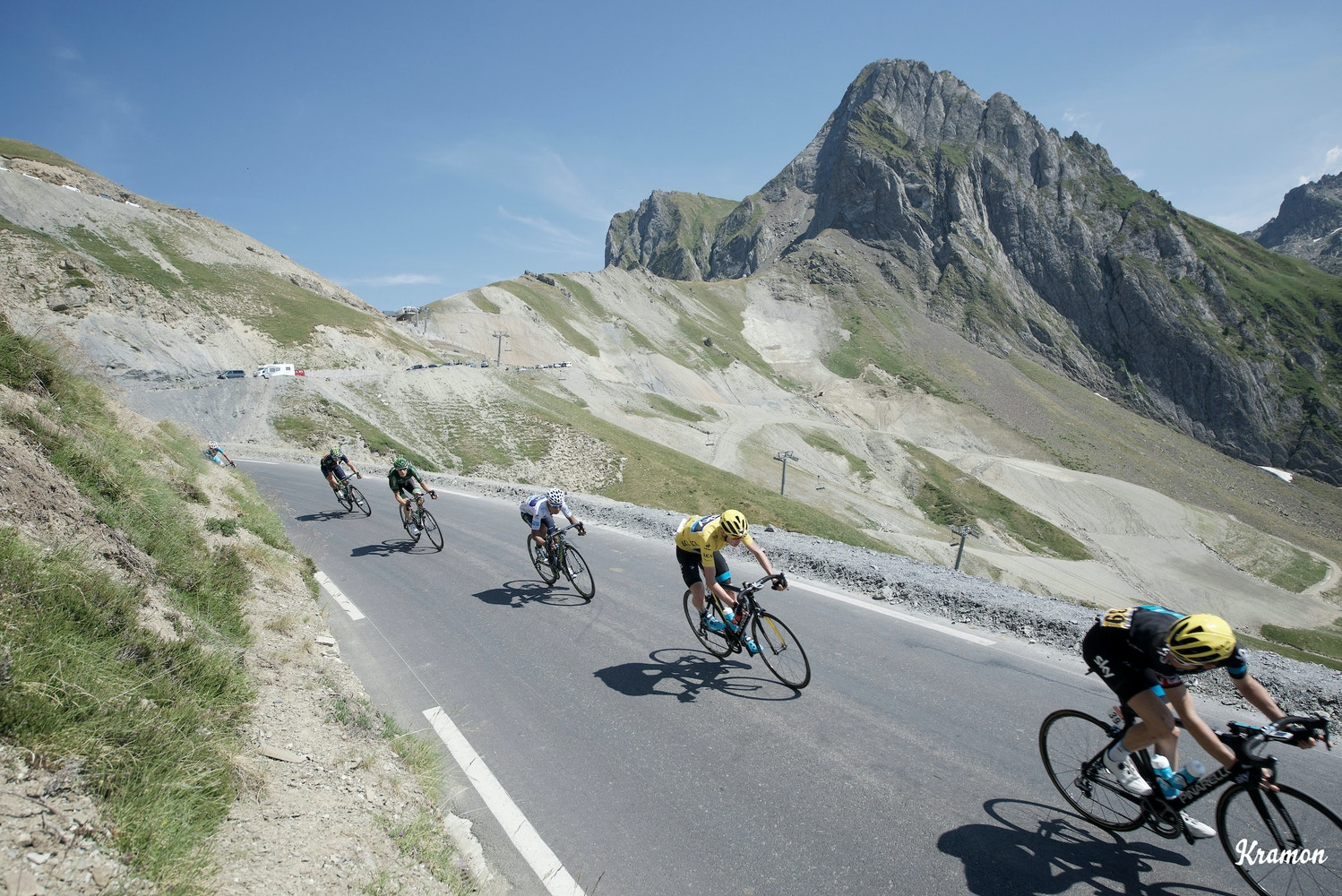 Pro Tips: How to Descend on a Road Bike
