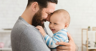 Tips for how dads can bond with their baby