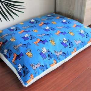 Queenie's Pawprints Replacement Cover for Eco Pet Bed/Cushion - Perfect Snooze | Cats vs Dogs