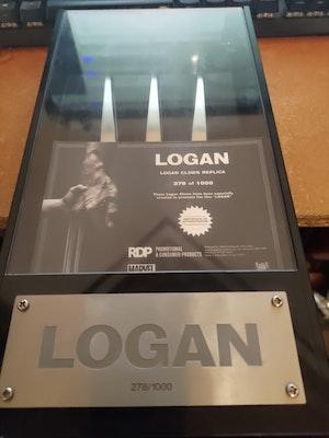 Logan Claws Replica