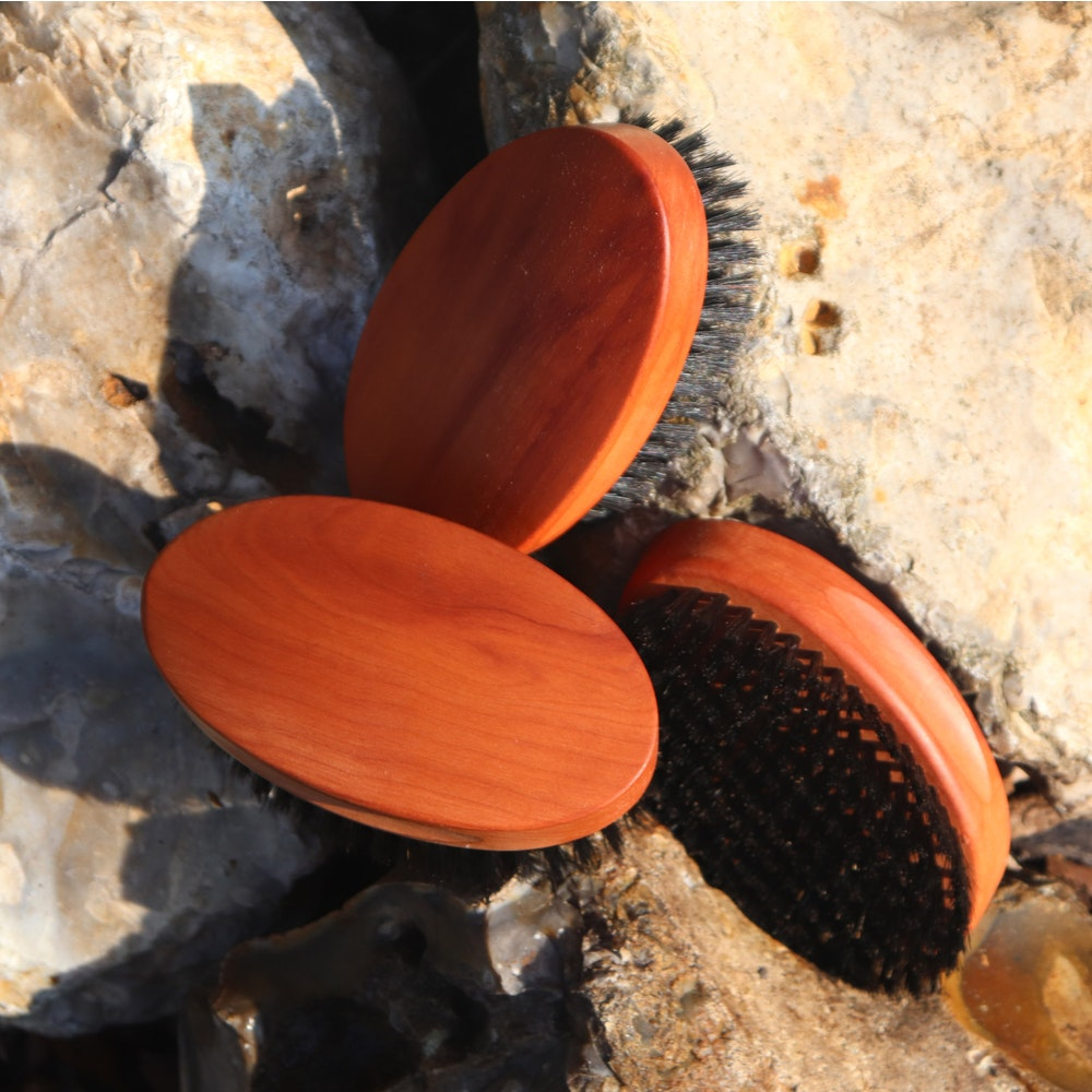 Natural Spa Supplies Hair Brush Of Wood And Black Bristle, Dry Or Wet Use, Multipurpose