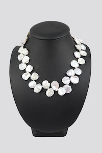 Hitchley & Harrow P59 Pearl Necklace Leaf Pearls