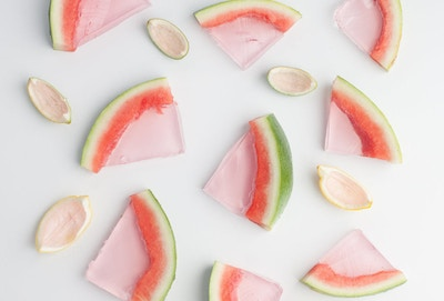 DIY FRUIT JELLY SHOTS