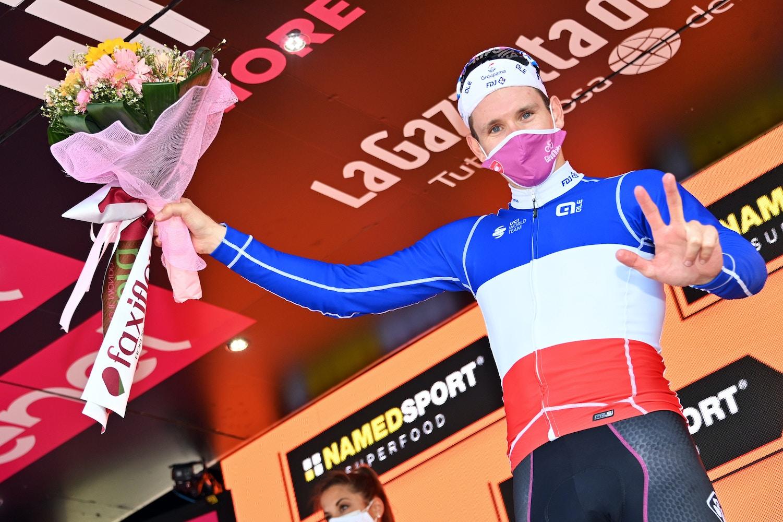 Arnaud Démare Supera a Sagan de Nuevo - Giro d'Italia Etapa 7