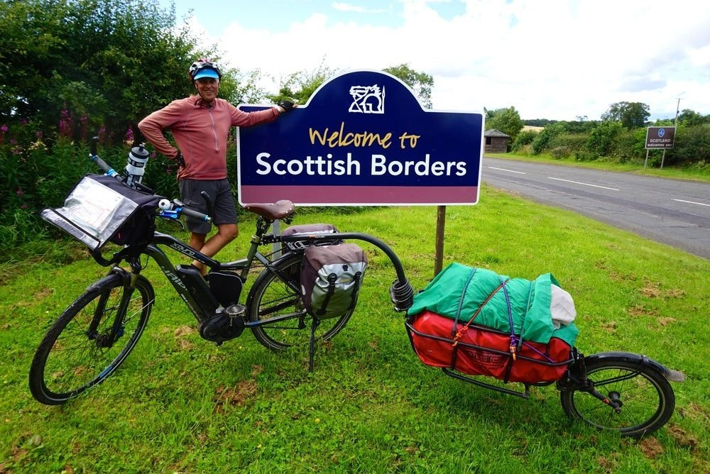fullpage Gary at the border of Scotland