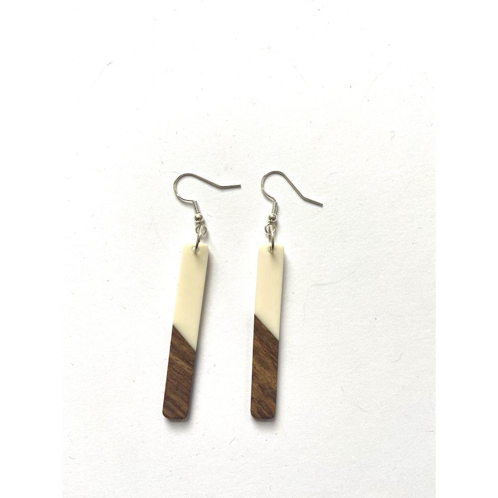 One of a Kind Club Cream And Wood Oblong Edge Earrings