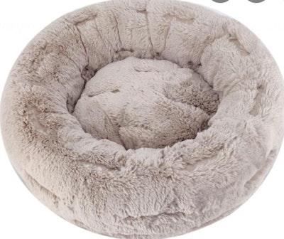 Super Snug Calming Pet Bed | Daniel's Pet Emporium