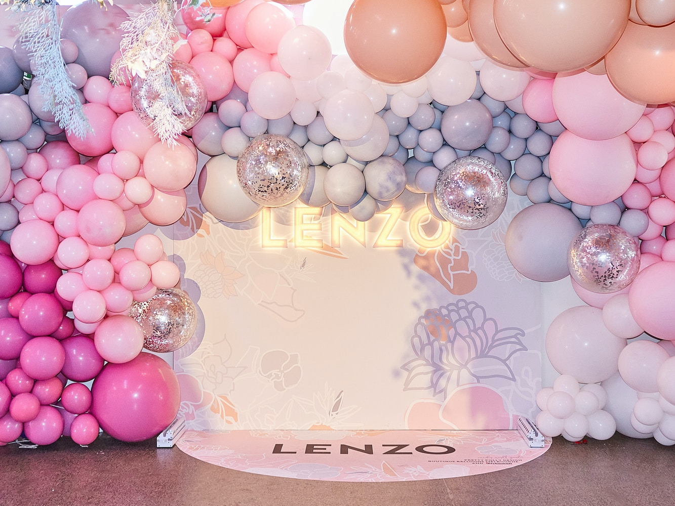 Giant Balloon Trends – How to Style your Party with Balloons | LENZO