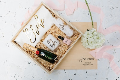 PARTY WITH... BRIDESMAID BOXES
