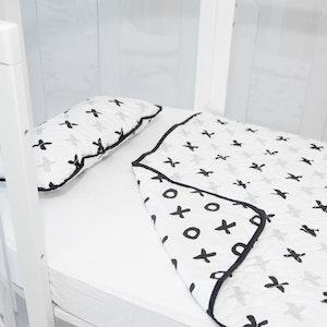 Babyhood Amani Bebe Organic Quilt and Pillow Set