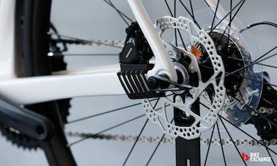 Kann ich mein Rennrad mit Scheibenbremsen nachrüsten?