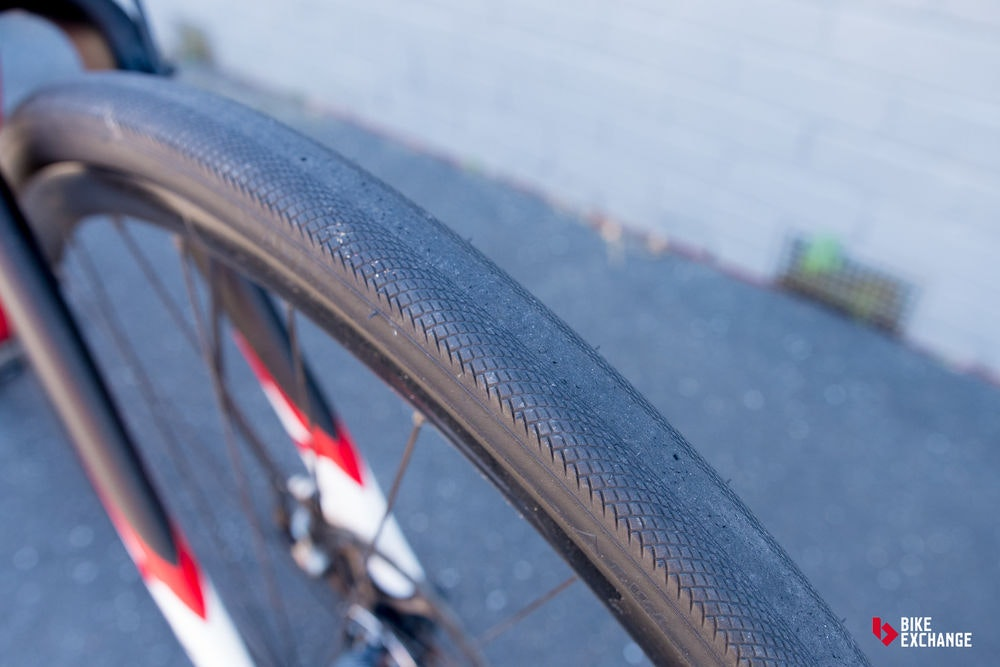 fullpage guide to road bike tyres tread pattern