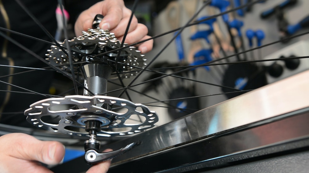 How to Remove and Replace a Cassette skewer BikeExchange 2017