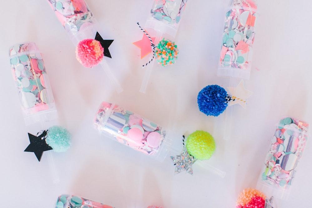 LENZO Christmas Gift Hello Kit Co Confetti Popper