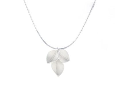 3 leaf pendant on snake chain