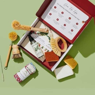 Us and The Earth *22 piece Eco Cleaning Box
