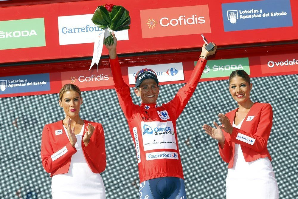 fullpage Chaves in red podium vuelta
