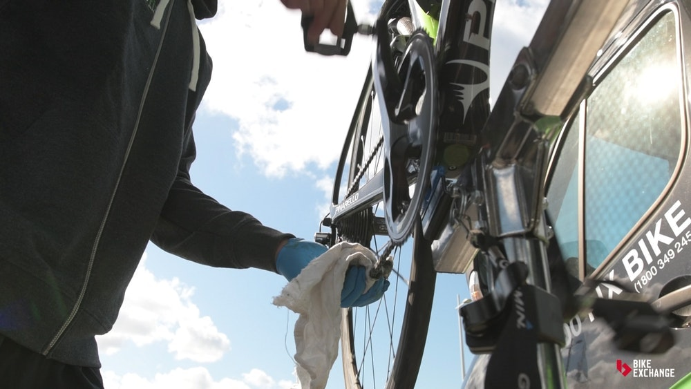 disc-brake-road-bikes-guide-cleaning-jpg