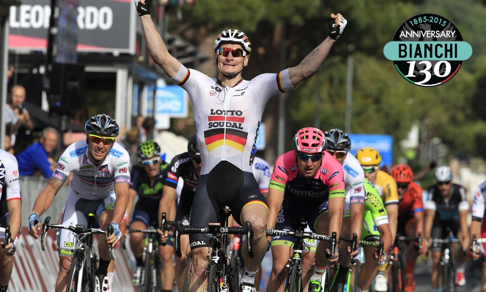 Greipel Muscles His Way to Victory