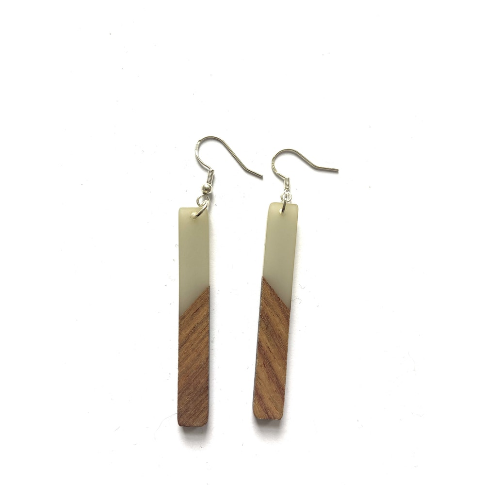 One of a Kind Club Grey And Wood Oblong Edge Earrings