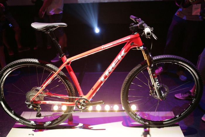 display 2015 Trek Procaliber 9.9 launch side view
