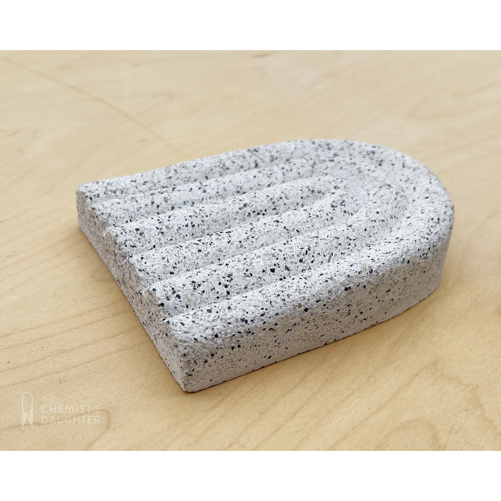 The Chemists Daughter Arc Soap Dish - Speckle Small