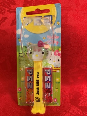 """Hello Kitty Bee Collection PEZ Dispenser Crystal Head Mint on Card with """"Just BEE you"""" on the stem"""
