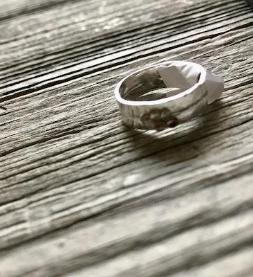 Sarah Munnings Jewellery Thick / thin ring