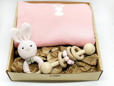 Avie Designs Baby Blanket and Bunny Gift Box Pink
