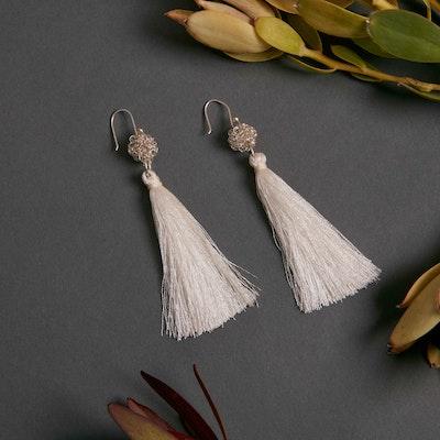 Global Sisters Shop Peacock tassel earrings - Pearl