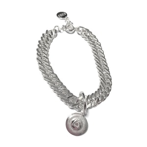 Breeze Curb Chain Bracelet with Small Stirrup Medallion