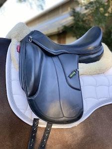 Dressage Saddle - Amerigo Vega (black) monoflap