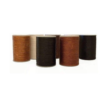 Hairy Pony Flat Waxed Plaiting Thread - Small Chestnut